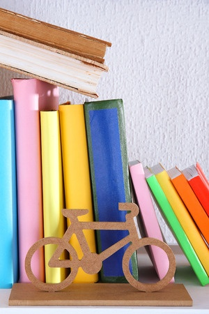 decluttering-your-home-bookcases