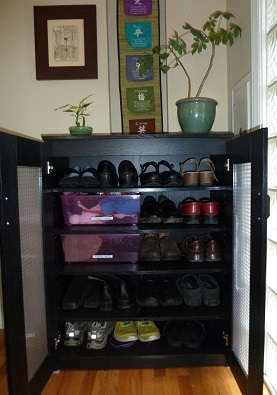 Last Month We Shared The Idea Of Using A Bookshelf To Organize Messy Boots  And Sports Footwear In The Garage. What About Those Every Day Shoes That  Tend To ...