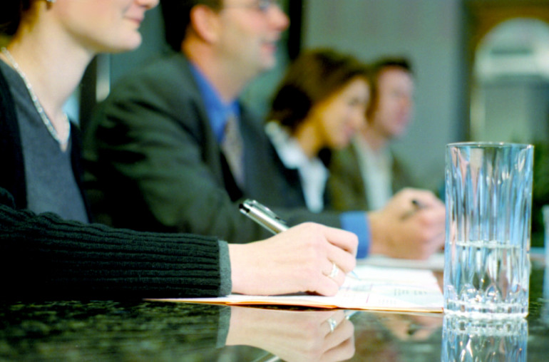 How to Run Effective Meetings & Stop Wasting Time